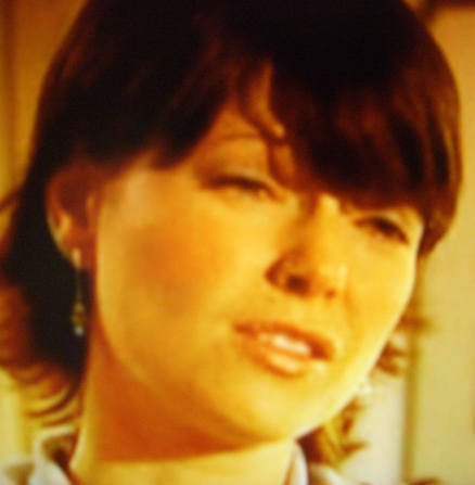 Nicole de Boer in Ties That Bind